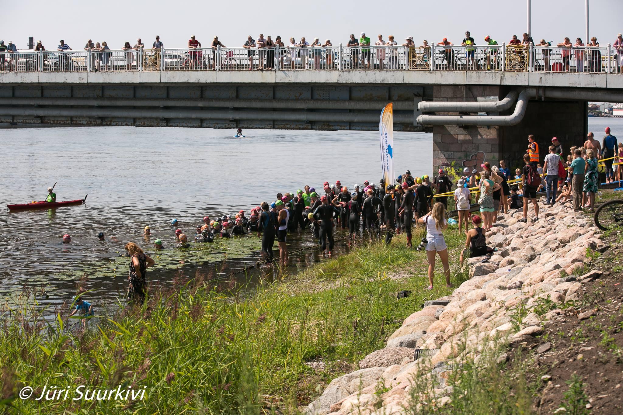Pärnu triatloni start (Jüri Suurkivi)
